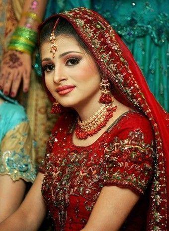 Fille pakistanaise - Regarder coup de foudre a bollywood gratuitement ...
